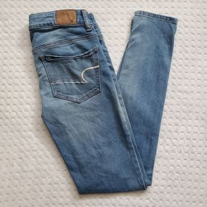 American eagle!! Womens jeans!!